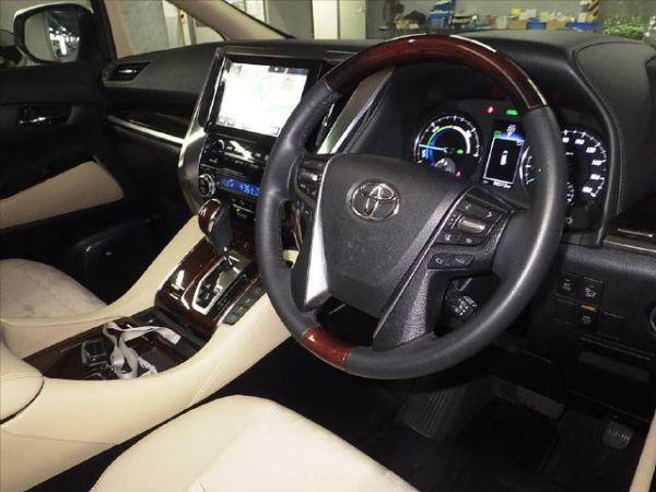 2015 Toyota Alphard Hybrid G Package 4WD 2.5L auction interior 2