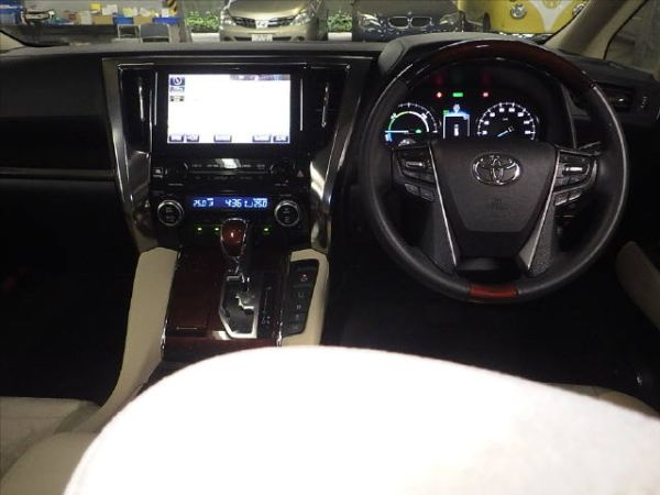 2015 Toyota Alphard Hybrid G Package 4WD 2.5L auction interior 3