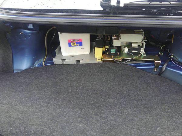 1999 Nissan Skyline R34 GT-R VSpec TV2 Bayside Blue boot