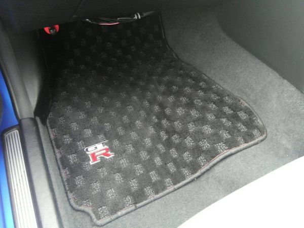 1999 Nissan Skyline R34 GT-R VSpec TV2 Bayside Blue floor mat