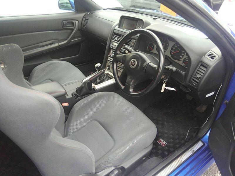 1999 Nissan Skyline R34 GT-R VSpec TV2 Bayside Blue interior 2