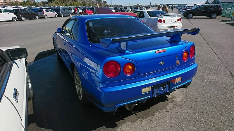 2001 Nissan Skyline R34 GT-R VSpec 2 left rear