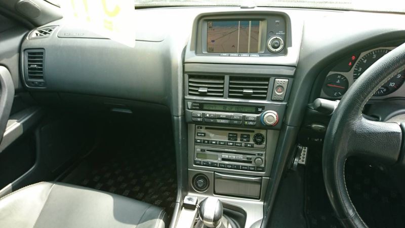 2002 Nissan Skyline R34 GTR MSpec console