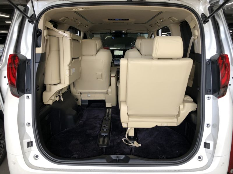 2017 Toyota Alphard Hybrid Executive Lounge rear seats