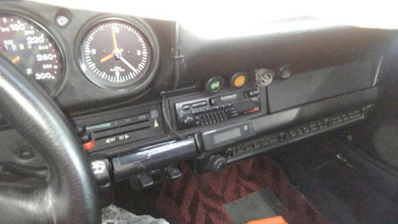 1976 PORSCHE 911 S gauges