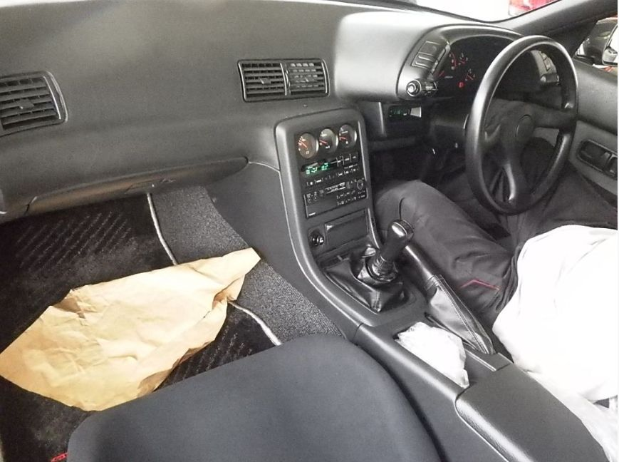 1992 Nissan Skyline R32 GTR auction interior