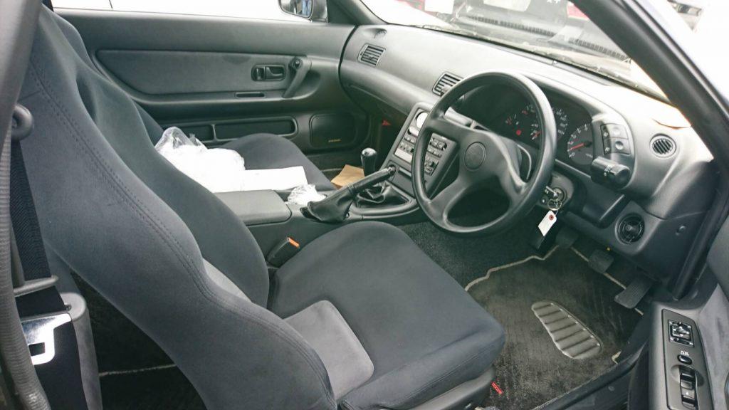 1992 Nissan Skyline R32 GTR driver seat