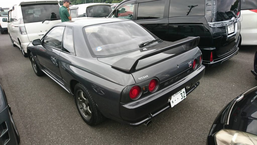 1992 Nissan Skyline R32 GTR left rear