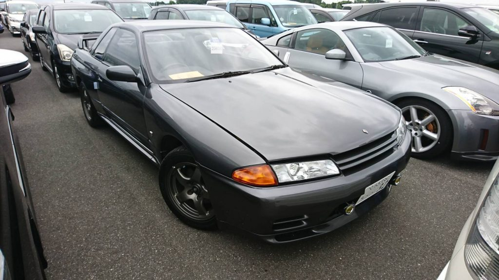 1992 Nissan Skyline R32 GTR right front