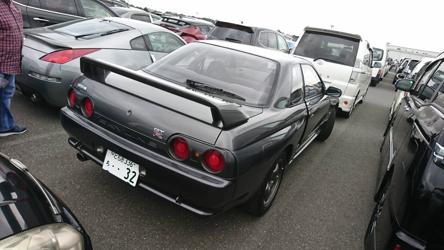 1992 Nissan Skyline R32 GTR right rear