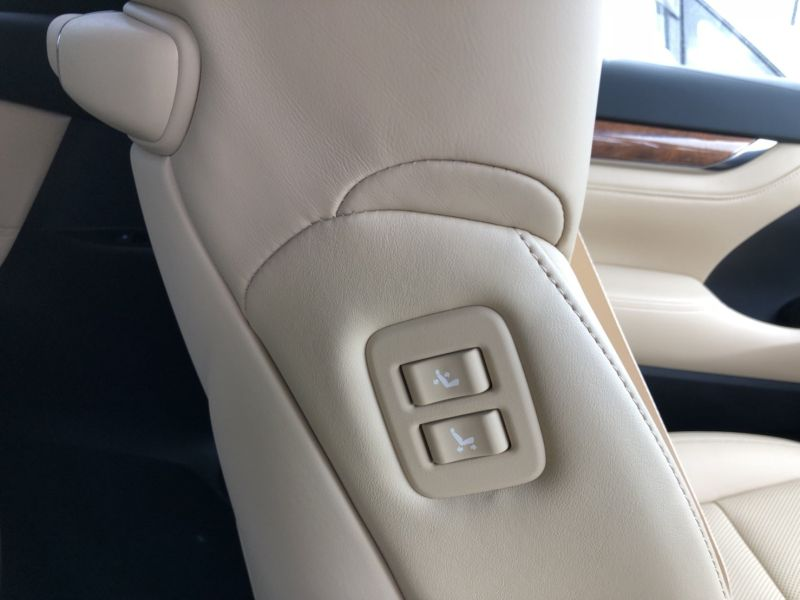 2015 Toyota Alphard Hybrid Executive Lounge power seat