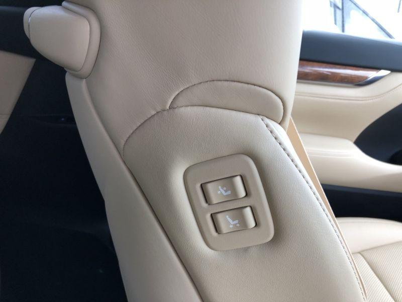 2015 Toyota Alphard Hybrid Executive Lounge power seat