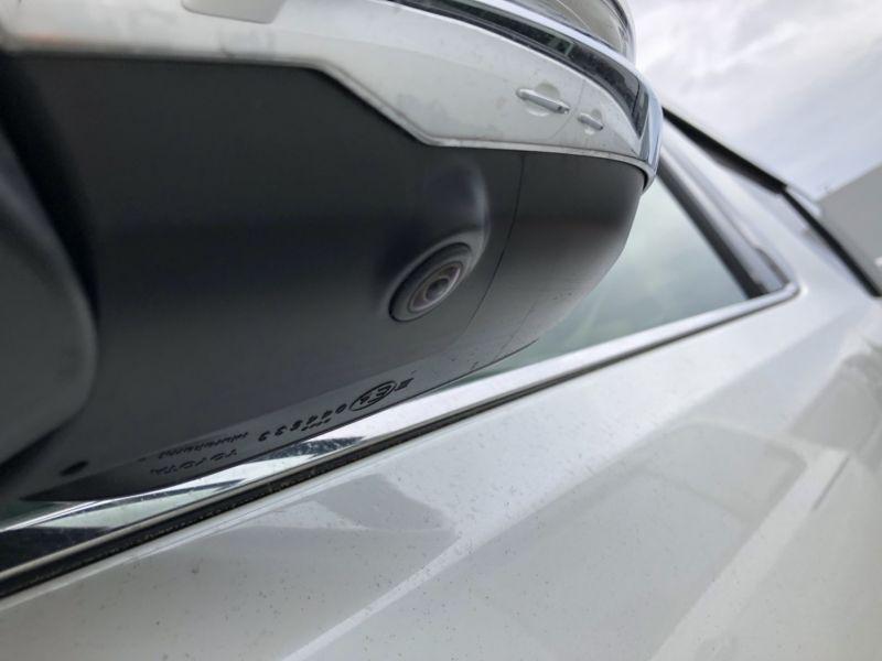2015 Toyota Alphard Hybrid Executive Lounge side camera