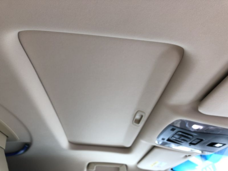 2015 Toyota Alphard Hybrid Executive Lounge sunroof