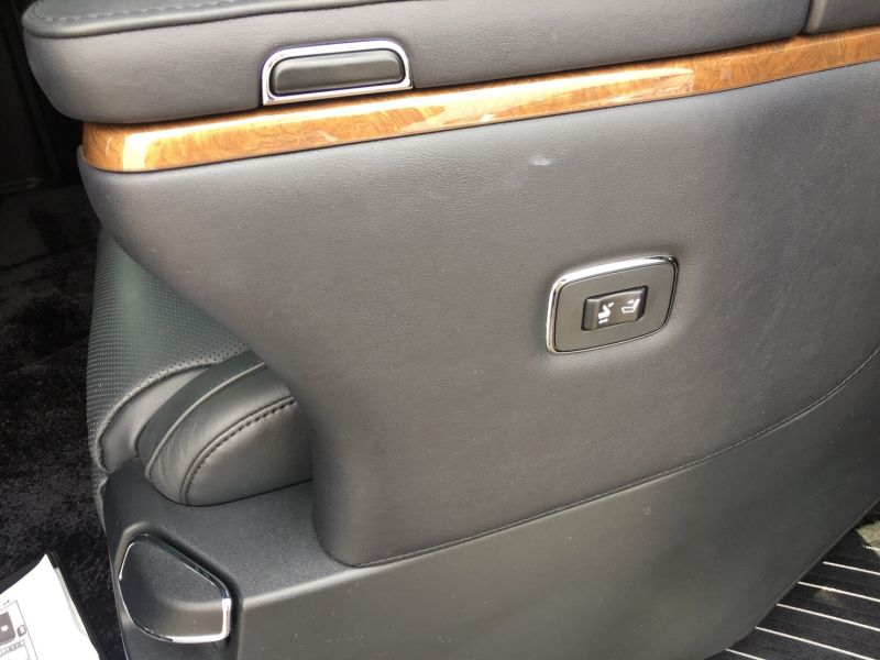 2015 Toyota Vellfire Hybrid Executive Lounge seat