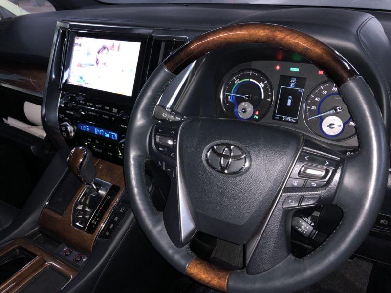 2016 Toyota Alphard Hybrid Executive Lounge steering wheel