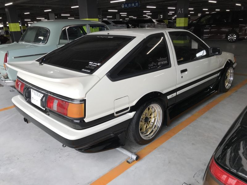 1985 Toyota Corolla Levin GT APEX right rear