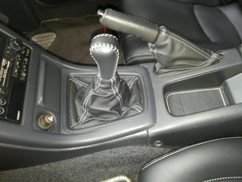 1992 Nissan Skyline R32 GTR shift knob