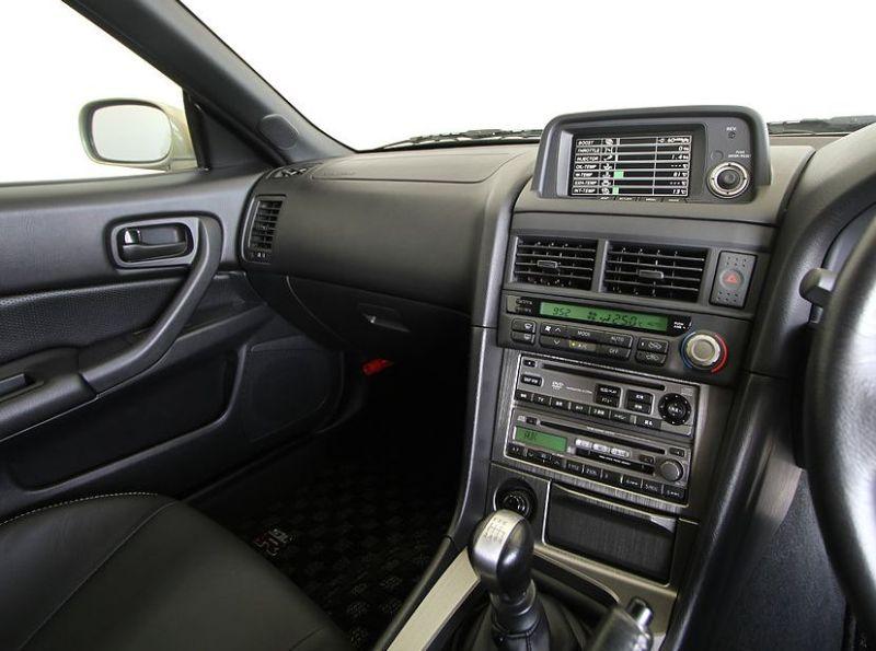 2002 R34 GTR MSpec Silica Breath 7