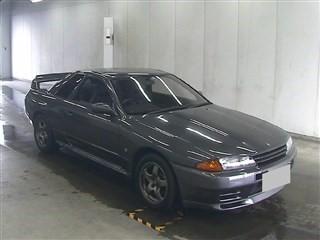 1990 Nissan Skyline R32 GTR auction front