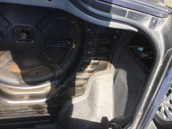 1990 Nissan Skyline R32 GTR boot