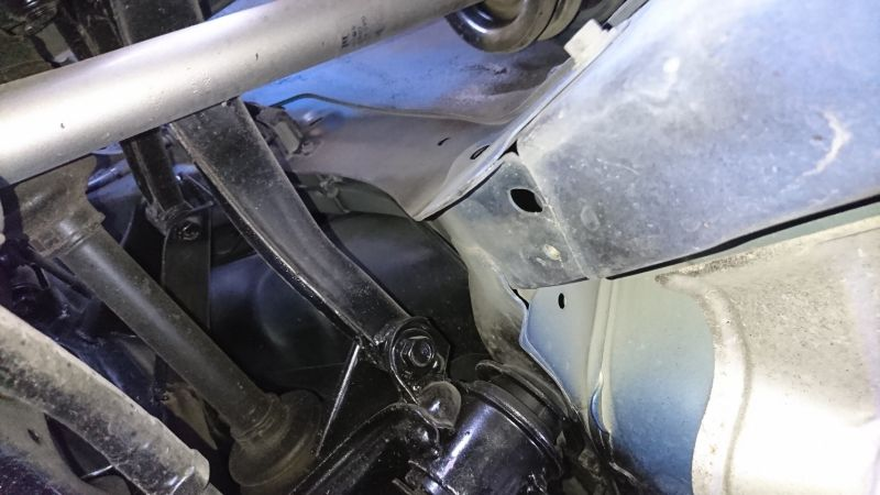 1999 Nissan Skyline R34 GTR VSpec blue underbody 9