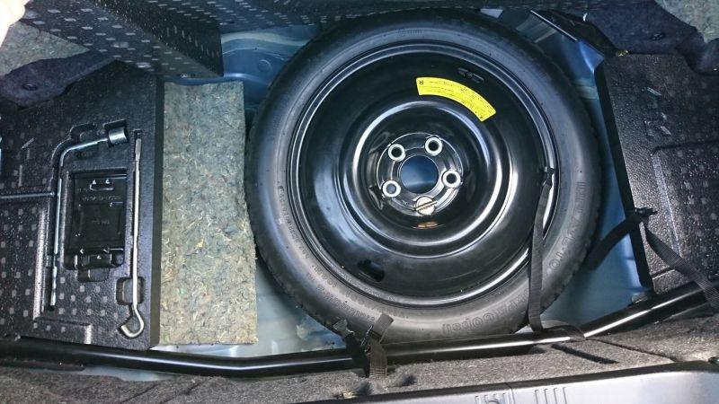 1999 Nissan Skyline R34 GTR VSpec blue underbody spare tyre