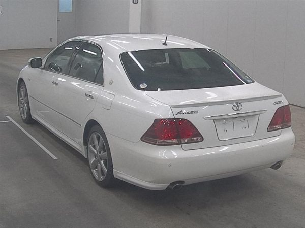 2007 Toyota Crown Athlete Premium Edition sedan auction 2