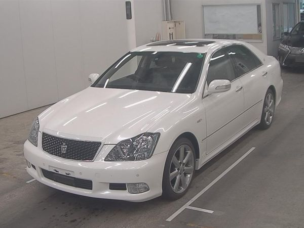 2007 Toyota Crown Athlete Premium Edition sedan auction 5