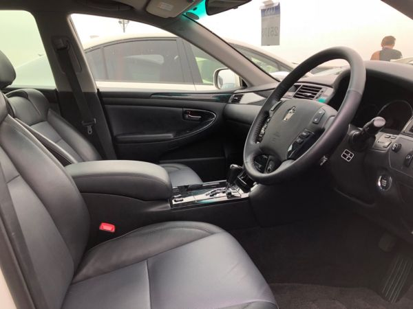 2007 Toyota Crown Athlete Premium Edition sedan interior