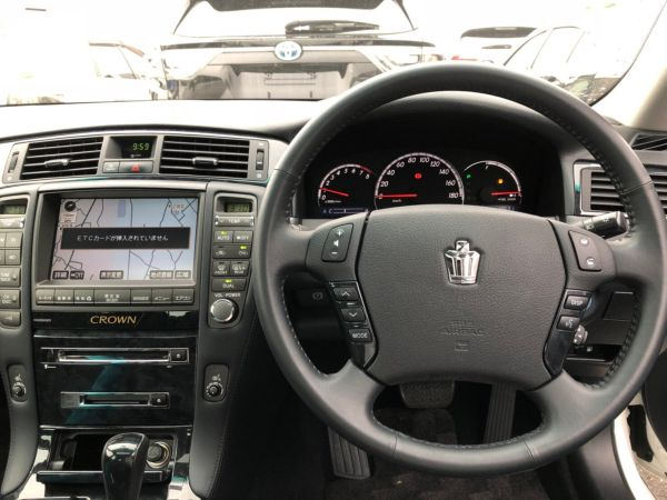 2007 Toyota Crown Athlete Premium Edition sedan steering wheel