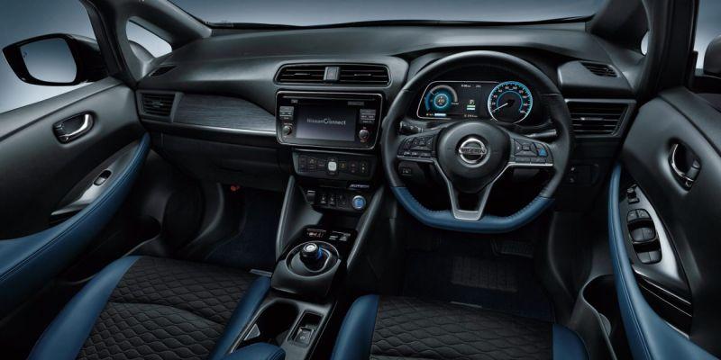 Nissan Leaf AUTECH interior 3