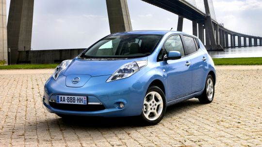 Nissan Leaf import blue