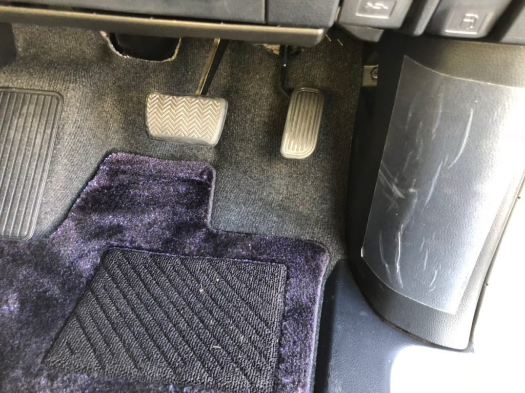 2017 Toyota Alphard Hybrid Executive Lounge pedals