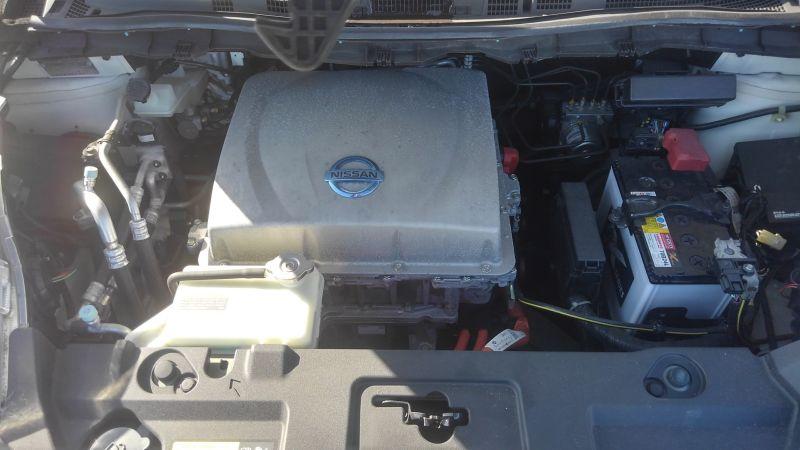2013 Nissan Leaf G 19