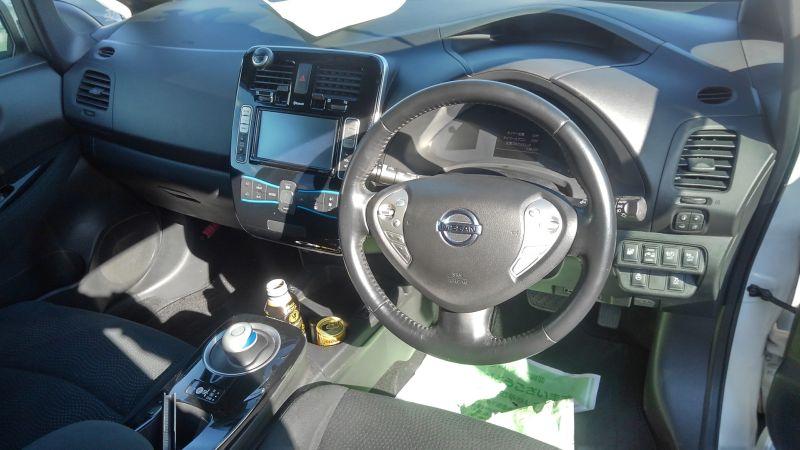 2013 Nissan Leaf G 26