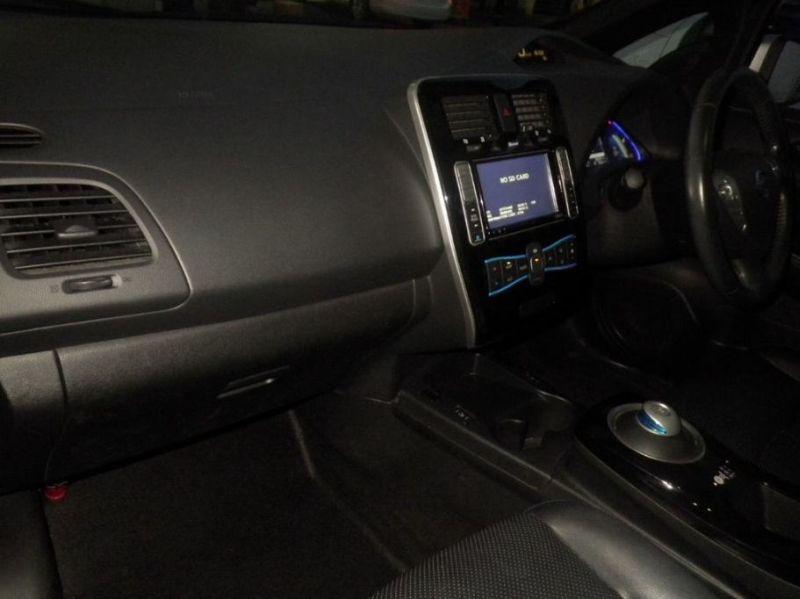 2013 Nissan Leaf G leather 29