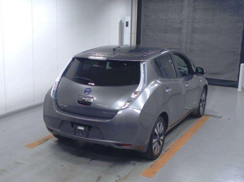 2013 Nissan Leaf G leather 32