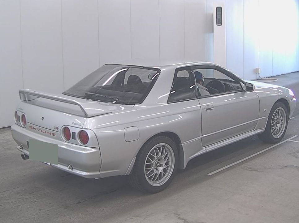 1994 Nissan Skyline R32 GT-R VSPEC 2 right rear