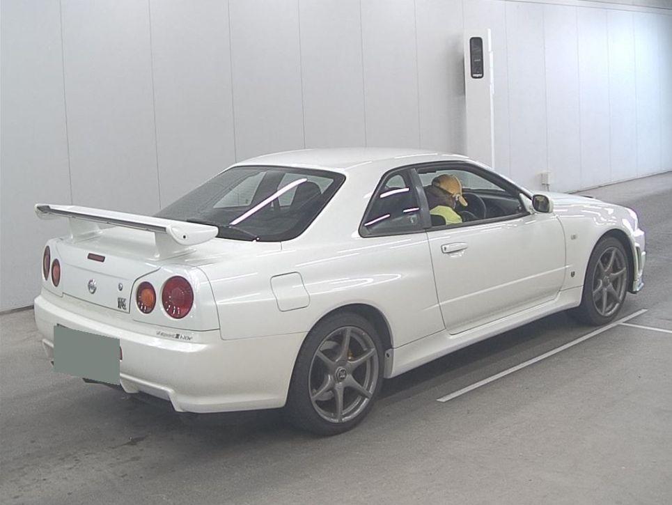 2002 R34 GT-R VSPEC 2 NUR white 7