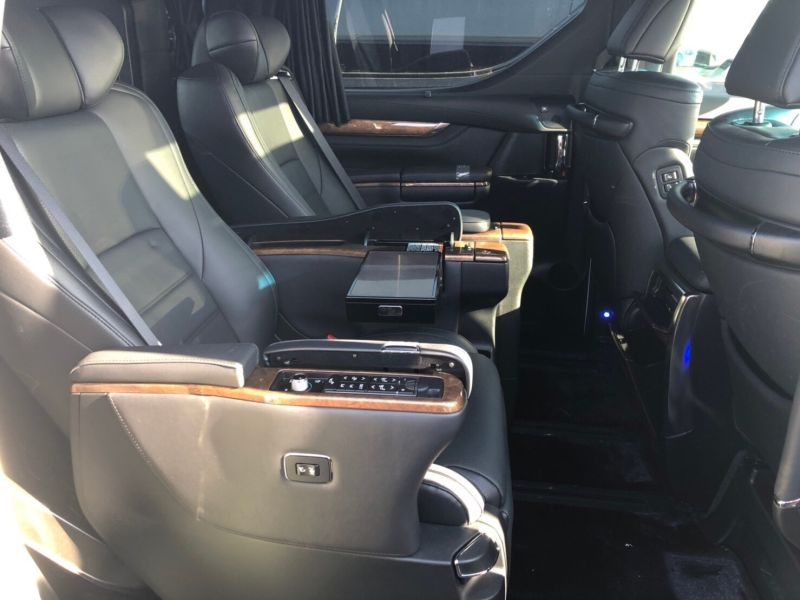 2017 Toyota Vellfire Executive Lounge 24