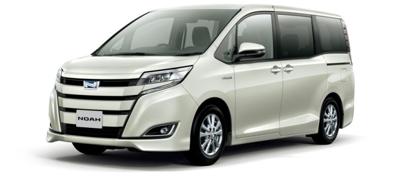 Toyota Noah Hybrid 1
