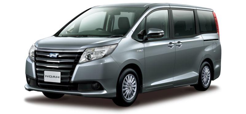 Toyota Noah Hybrid 18