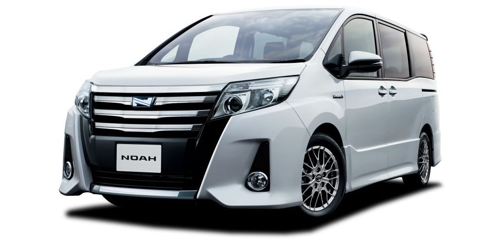 Toyota Noah Hybrid 8