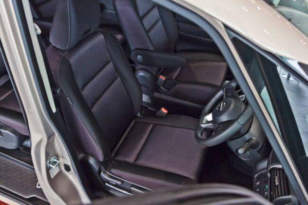 Nissan Serena Hybrid 08
