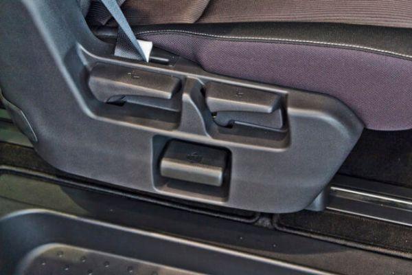 Nissan Serena Hybrid 13