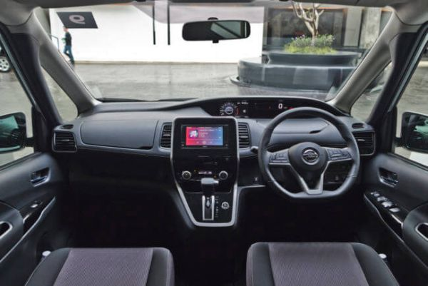 Nissan Serena Hybrid 14