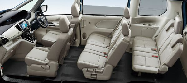 Nissan Serena Hybrid 25