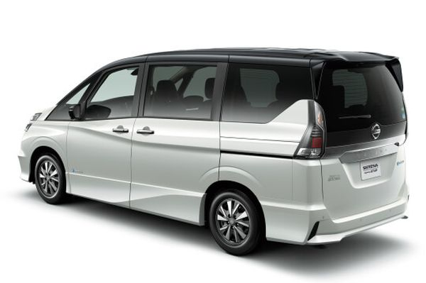 Nissan Serena Hybrid 30
