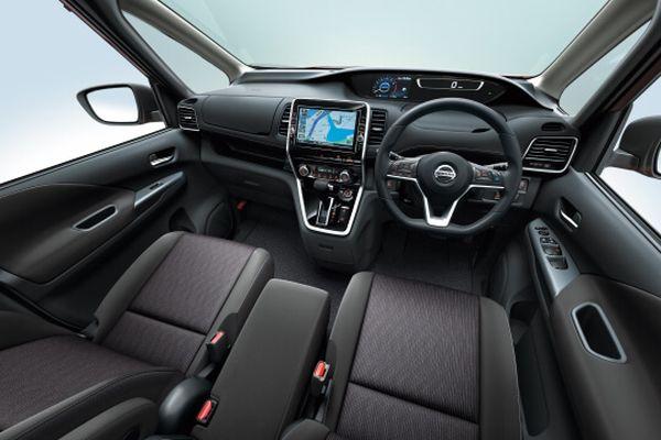 Nissan Serena Hybrid 33